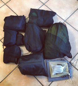 """Mein """"Mesh Bag"""" Packsystem.  Ermöglicht ein kompaktes und übersichtliches verstauen, ob im Koffer oder Rucksack.!  Leichtes hinausnehmen aus dem Gepäck, ohne das der Rest durcheinander gewühlt wird."""